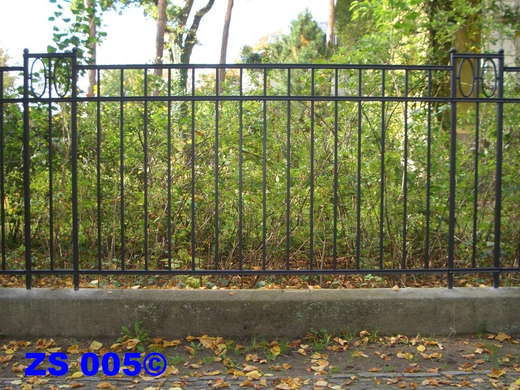 Bauschlosserei Worseck Zäune Toren Gitter in Potsdam und